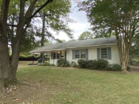 1215 Mt Moriah Rd - for rent 38117