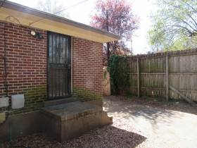 1828 York Ave - for rent 38104