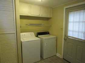 Washer & Dryer & Back Entry