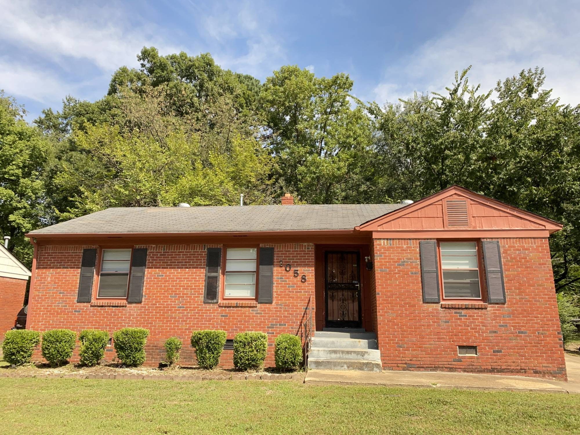 1058 S. White Station Rd Memphis TN 38117